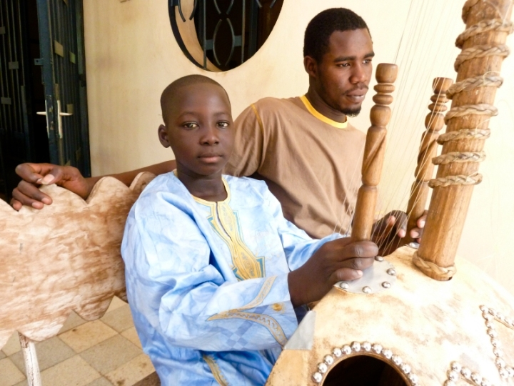 Mali. Salif Diabaté with his kora teacher Boubacar Cissoko