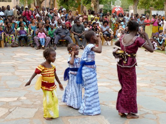 The dance of the Kouyate family of Niagassola