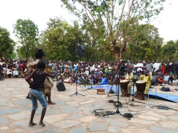 Drumming and dancing with the children of the Diarra family